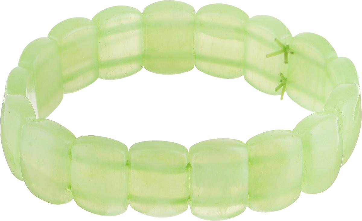 Браслет Револю Испания, цвет: зеленый. бНОН-36(16-10)-1Браслет с подвескамиКакой очаровательный, милый, по-весеннему свежий браслет! Он выполнен из натурального мраморного оникса, камня очень популярного, известного, но притом весьма и весьма доступного по цене! Обратите внимание, как интересны по форме пластинки браслета - они округлые, продолговатые, и притом чуть наклонены в сторону, из-за чего браслет напоминает оригинальное широкое плетение из шёлковых полупрозрачных лент! Обворожительный браслет очень женственный, милый, он не лишён кокетства и очарования! Наверняка, этот красивый, притягательный браслет н