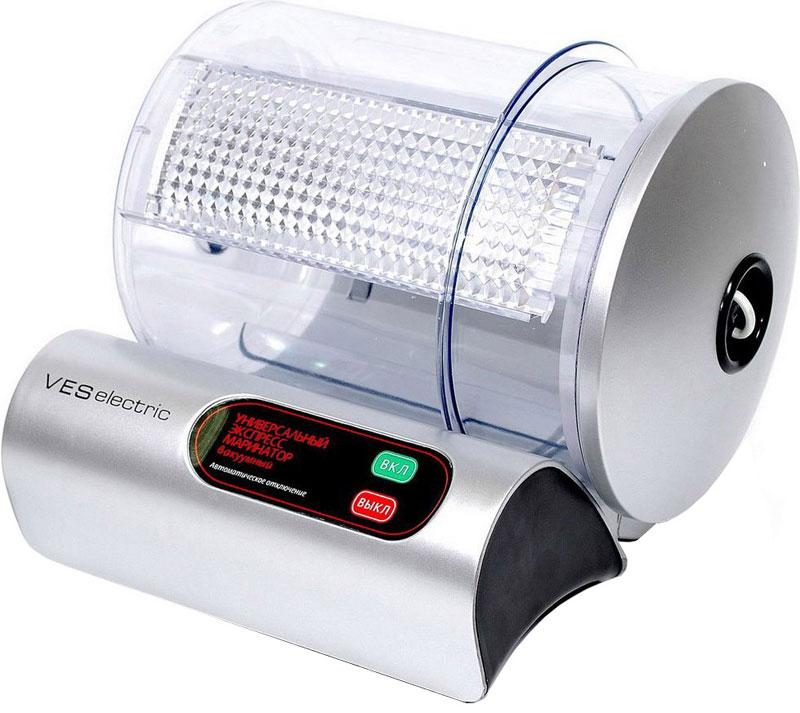 Ves VMR-10-S маринаторVMR-10-SМаринатор Ves VMR-10-S ускорит время, необходимое для мариновки продуктов, и облегчит процесс. Просто разместите продукты в специальной емкости, добавьте приправы и включите прибор. За очень короткий срок вы сможете замариновать мясо для шашлыка, приготовить прекрасную закуску - маринованные огурчики, корейскую морковь, разнообразные салаты и сотни других блюд, в основу которых входит маринад. Работа маринатора заключается в создании вакуума и вращения канистры для равномерного распределения маринада. Волокна различных пищевых тканей, открываются, позволяя маринаду полностью проникнуть в пищу. Рабочую емкость можно использовать как самостоятельный вакуумный контейнер и хранить в нем пищу в холодильнике, что на порядок увеличивает срок хранения продуктов.Максимальная масса загрузки: 2,3 кгМытье в посудомоечной машине (канистра)Индикатор работы