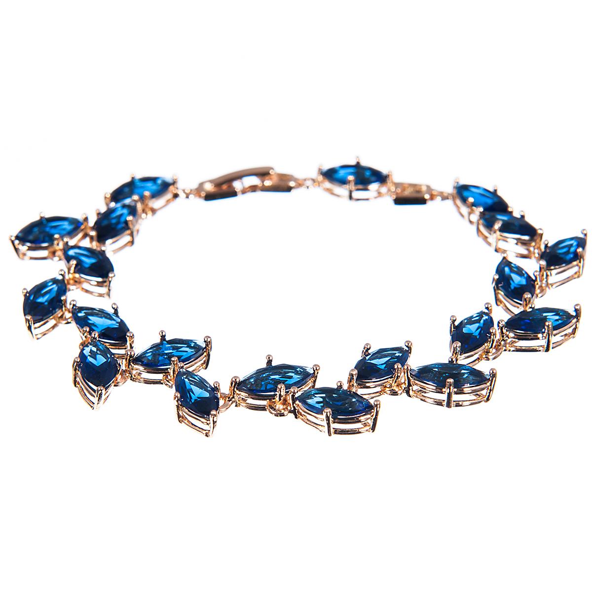 Браслет Selena, цвет: золотистый, синий. 40054300Глидерный браслетПрелестный браслет Selena изготовлен из металла с золотистым покрытием. Изделие украшено цирконами. Браслет застегивается при помощи замка-пряжки, благодаря которому браслет легко снимать и надевать. Стильный браслет блестяще подчеркнет ваш изысканный вкус и поможет внести разнообразие в привычный образ.Длина браслета 17-20 см, ширина 0,5 см.