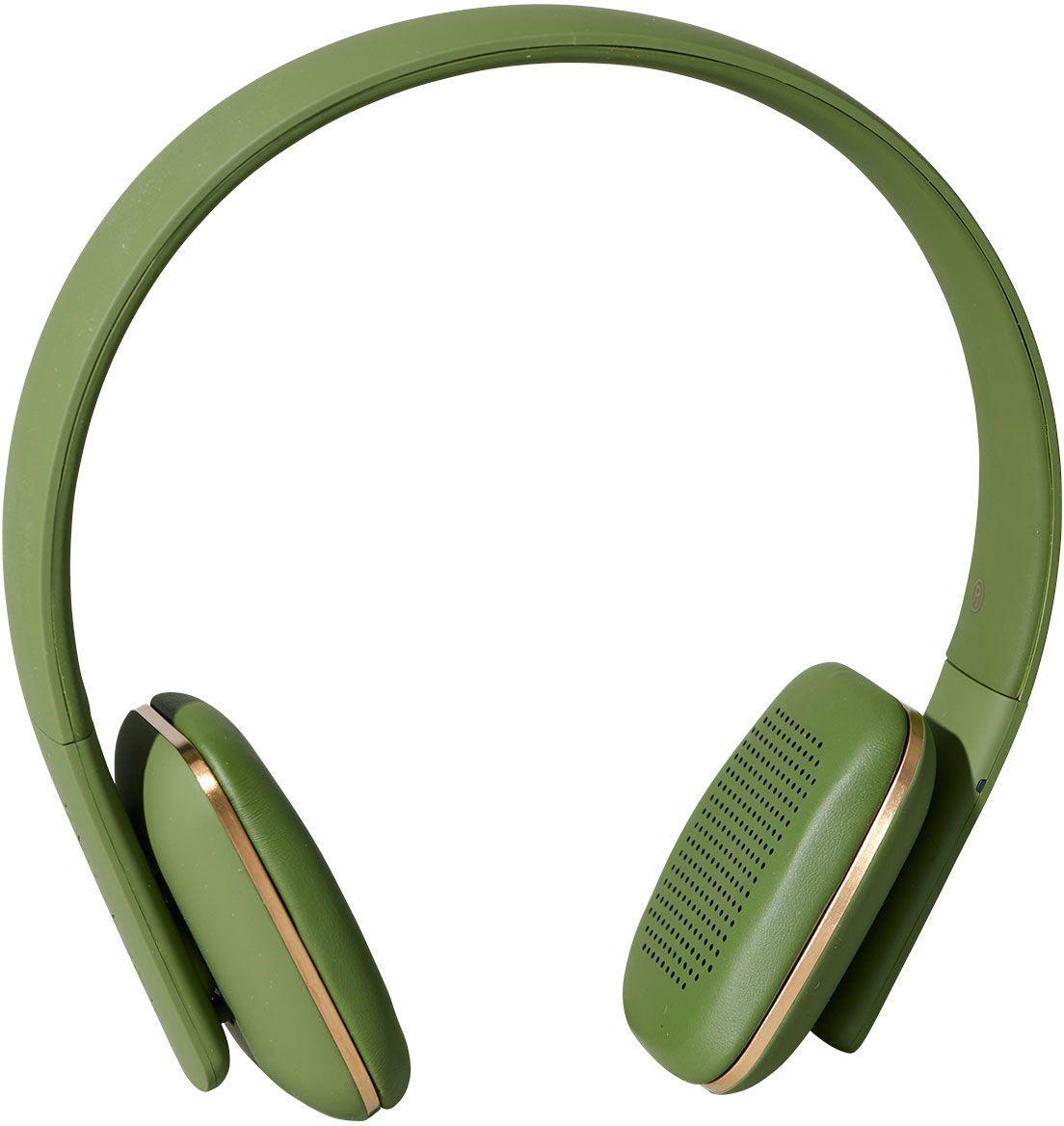Kreafunk aHEAD, Army наушникиKfss08aHEAD – беспроводные наушники, созданные для настоящих меломанов и модников. Это не только полезный гаджет, но и стильный аксессуар, который дополнит имидж и подчеркнет индивидуальность. Наушники оснащены Bluetooth-гарнитурой и совместимы с любым смартфоном. Панель управления находится на одном из наушников, что позволяет легко регулировать музыку, уровень громкости или даже принимать телефонные звонки. Подушки наушников выполнены из мягкой эко-кожи, а настраиваемый ободок имеет приятное покрытие soft touch. Великолепное качество звука, простота эксплуатации и лаконичный дизайн – этим гаджетом захочется пользоваться изо дня в день. В комплекте фирменный мешочек из PU кожи. Поставляются в стильной деревянной упаковке, поэтому могут стать отличным подарком меломанам и всем поклонникам скандинавского дизайна. Также коробку украшают слова Фридриха Ницше: «Без музыки жизнь была бы ошибкой».Технические характеристики:Аккумулятор (Li-ion) 195 мАчДо 14 часов беспрерывной работы Bluetooth 4.0+EDRДиапазон воспроизводимых частот: 80 Гц - 20 кГцНизкий уровень шума и эхо CVC 6.0 Время работы 20 дней в режиме ожидания Продолжительность зарядки: 2,5 часаПанель управления: громкость, пропуск записи, воспроизведение, пауза, ответить/завершить вызовВстроенный микрофонДинамик 40 мм, сильный и чистый низкий звукЗарядный кабель micro-USB - USB в комплектеМеждународные сертификаты: CE, FCC, RoHS, WEEE