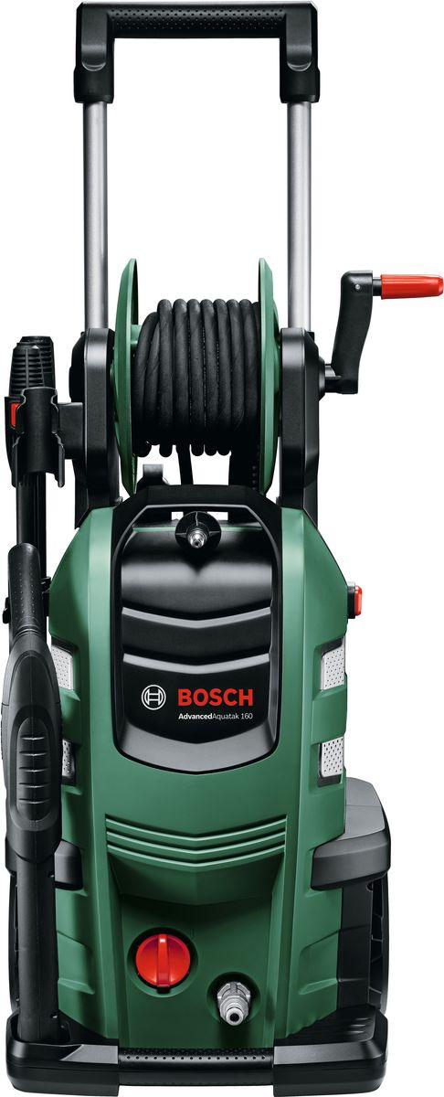 Минимойка Bosch AdvancedAquatak 160. 06008A780006008A7800Преимущества изделия:Благодаря новой помпе Quad новые AdvancedAquatak выгодно отличаются своей легкостью, компактностью и увеличенным давлением воды. Кроме того, инновационная технология насосов снижает нагрузку на все компоненты и тем самым повышает срок службы устройств.Для более быстрой и простой установки и применения в комплект поставки входит катушка для шланга высокого давления и жесткая опораПростое быстроразъемное соединение для мгновенного подключения фитинговФункция самовсасывания - возможно использование без водопровода, забор воды из емкостиЦельнометаллический насос для большей прочности и долговечностиПрочный армированный стальной проволокой шланг 8 м в стандартной комплектацииПоставляется вместе с системой подачи моющих средств высокого давления - признанным стандартом быстрого и эффективного использования. Обзор технических характеристик:Мощность двигателя: 2.600 ВтМакс. давление: 160 барМакс. производительность: 580 л/чМакс. температура используемой воды: 40 °CПроизводительность самовсасывания: 0,5 мТип двигателя: АсинхронныйТип насоса: 4 цилиндраДлина кабеля: 5 мДлина шланга: 8 м (со стальным армированием)Трубки: Веерная трубка-распылитель. Комплектация:Пистолет-пульверизатор BoschНеподвижная веерная трубкаСопло / емкость для моющего средства под высоким давлениемТрубка (F 016 F04 462)Металлический фильтр Clearview (F 016 800 419)Регулируемая веерная насадкаРоторная веерная насадкаШланг высокого давления 8 м