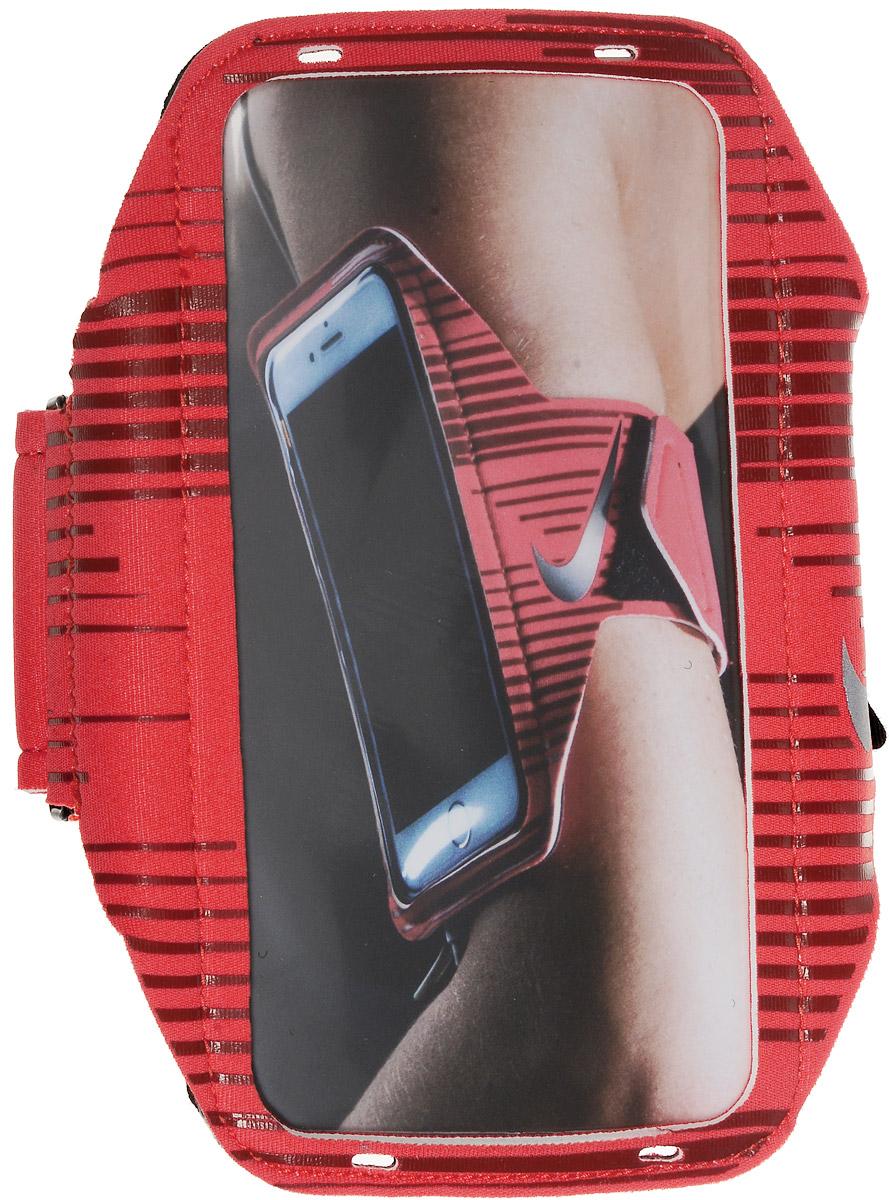 Чехол для телефона на руку Nike Printed Lean Arm Band, цвет: красный, черный, коричневыйN.RN.68.827.OSДля людей, ведущих активный образ жизни, чехол Nike Printed Lean Arm Band просто незаменим. Лаконичный дизайн аксессуара позволяет использовать его как мужчинам, так и женщинам. Подходит для всех основных типов смартфонов. Чехол при помощи липучки надежно фиксируется на руке, поэтому вам не придется переживать о том, что он может слететь во время активных тренировок. Светоотражающий логотип улучшает видимость при слабом освещении. Отверстия для наушников расположены сверху и снизу чехла. Прозрачная защитная пленка не дает устройству поцарапаться.Размер чехла (без учета ремня): 15,5 х 8 см.Длина чехла (с учетом ремня): 42 см.