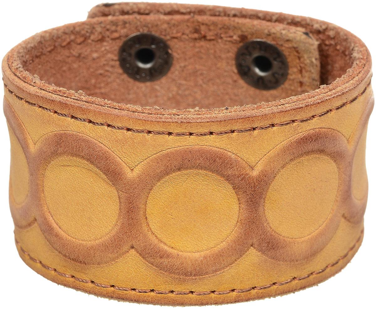 Браслет дизайнерский YusliQ Terra, цвет: светло-коричневый. Авторская работа. OBP3031-2-оБраслет с подвескамиОригинальный дизайнерский браслет YusliQ Terra из серии Кэжуал, выполнен из натуральной кожи. Браслет застегивается на два ряда металлических кнопок. Такой браслет - блестящее завершение вашего неповторимого и смелого образа и отличный подарок для ценителей необычных украшений!