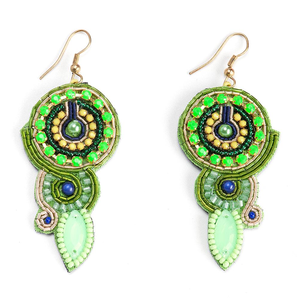 Серьги женские Selena, цвет: зеленый, синий. 20094850Серьги с подвескамиБисер, кристаллы Preciosa, искусственный жемчуг, изнанка-натуральная замша, латунь. Гальваническое покрытие: золото., длина серег с учетом швенз 7.5 см ширина 3 см