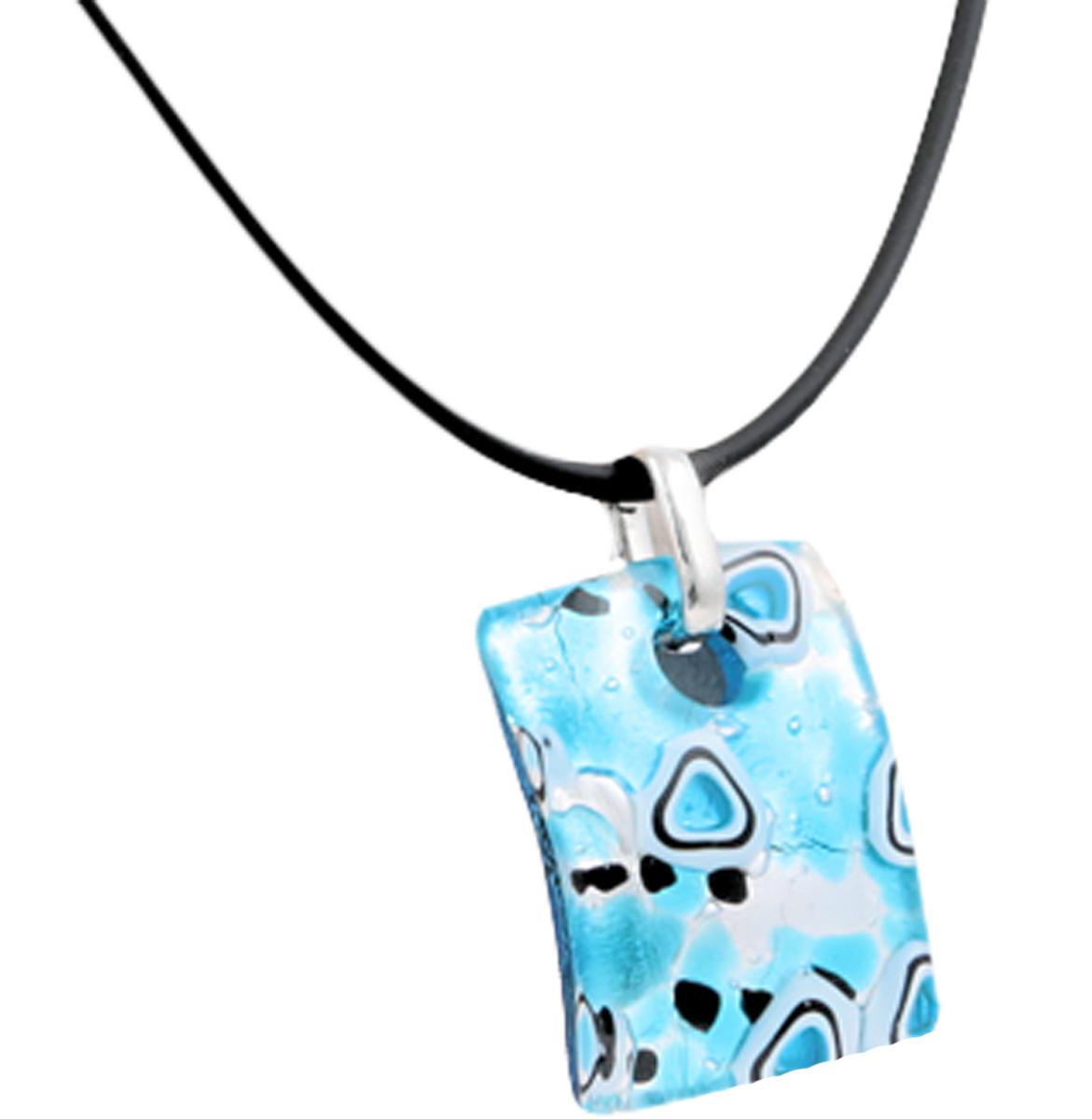 Кулон на шнурке Морской бриз. Муранское стекло, шнурок из каучука, ручная работа. Murano, Италия (Венеция)Ожерелье (короткие многоярусные бусы)Кулон на шнурке Морской бриз.Муранское стекло, шнурок из каучука, ручная работа.Murano, Италия (Венеция).Размер:Кулон - 4 х 3 см.Шнурок - полная длина 45 см.Каждое изделие из муранского стекла уникально и может незначительно отличаться от того, что вы видите на фотографии.