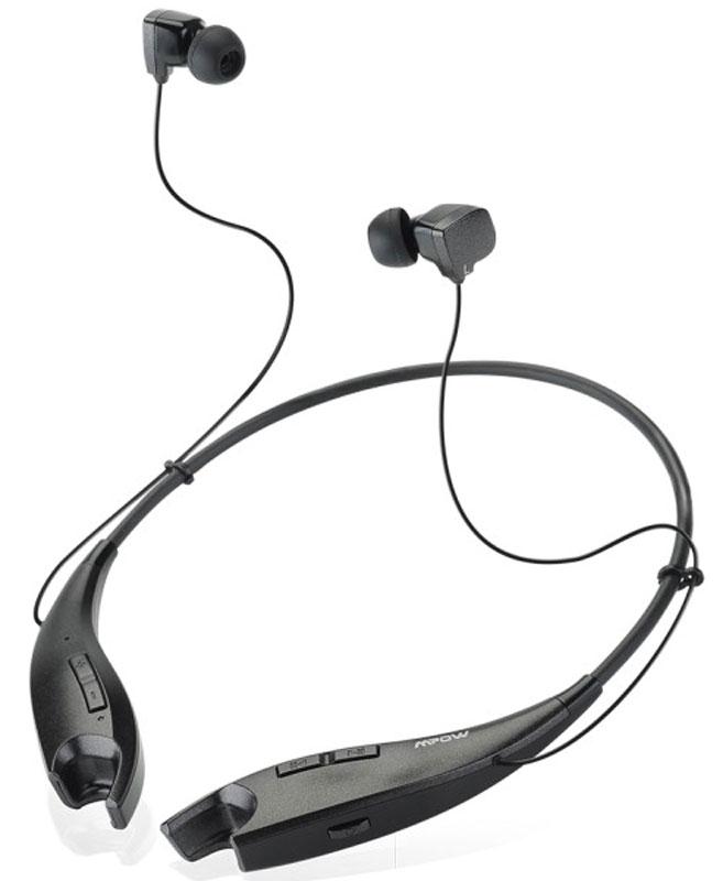 Mpow Jaws, Black беспроводные наушникиMBH25Беспроводные наушники-вкладыши с шейным ободом Mpow Jaws прекрасно подходят для пользователей, ценящих качество и активный стиль. С этими наушниками прослушивание любимой музыки станет еще приятнее, а звучание поразит своей чистотой и качеством. Наушники автоматически переключаются с воспроизведения музыки на прием телефонных звонков. Разговаривайте с друзьями не доставая телефон во время работы, на улице или в транспорте.Гибкий и прочный силиконовый шейный обод наушников весит всего 30 грамм, он на 60% легче ободов обычных головных наушников. Обод удобно сидит на шее, на нем расположены эргономичные кнопки для управления музыкой и регулировки громкости звука. Когда вы не используете наушники-вкладыши, то вставляете их в специальные отверстия на концах обода: встроенные магниты притягивают друг к другу концы обода и он превращается в ожерелье на вашей шее.Технология Bluetooth 4.1 обеспечивает беспрерывную передачу четкого высококачественного стерео звука с воспроизводящего устройства на наушники, на расстоянии до 10 метров. Передовая технология шумоподавления CVC 6.0 сводит к минимуму внешние шумы при разговоре и обеспечивает идеальный звук.Bluetooth-наушники со встроенным микрофоном позволяют автоматически переключаться с воспроизведения музыки на прием телефонных звонков. Мощный встроенный аккумулятор обеспечивает 13 часов непрерывной работы наушников от одной зарядки.В режиме ожидания - 350 часов.