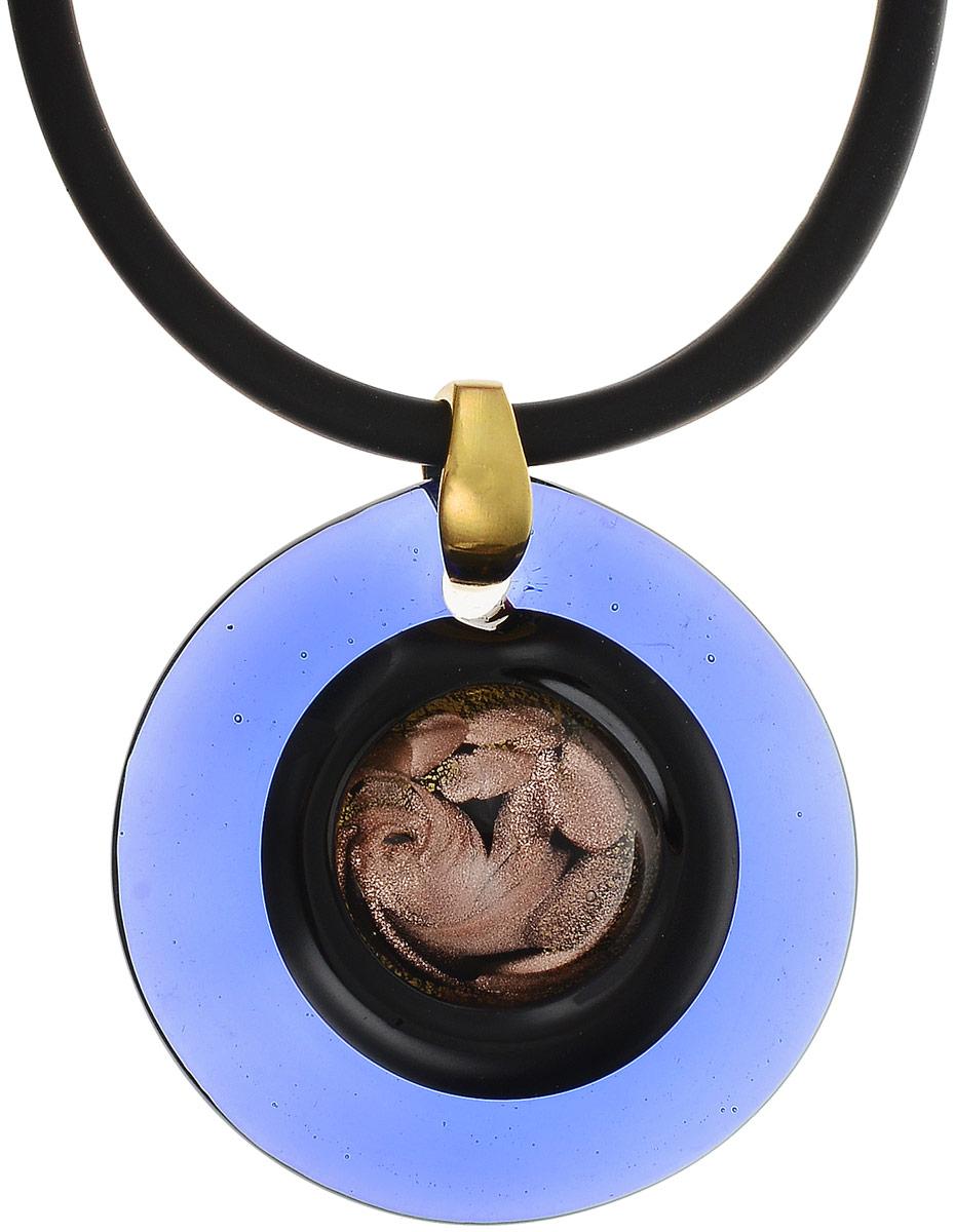 Кулон на шнурке Лагуна. Муранское стекло, шнурок из каучука, ручная работа. Murano, Италия (Венеция)Брошь-инталияКулон на шнурке Лагуна.Муранское стекло, шнурок из каучука, ручная работа.Murano, Италия (Венеция).Размер:Кулон - диаметр 5,5 см.Шнурок - полная длина 45 см.Каждое изделие из муранского стекла уникально и может незначительно отличаться от того, что вы видите на фотографии.
