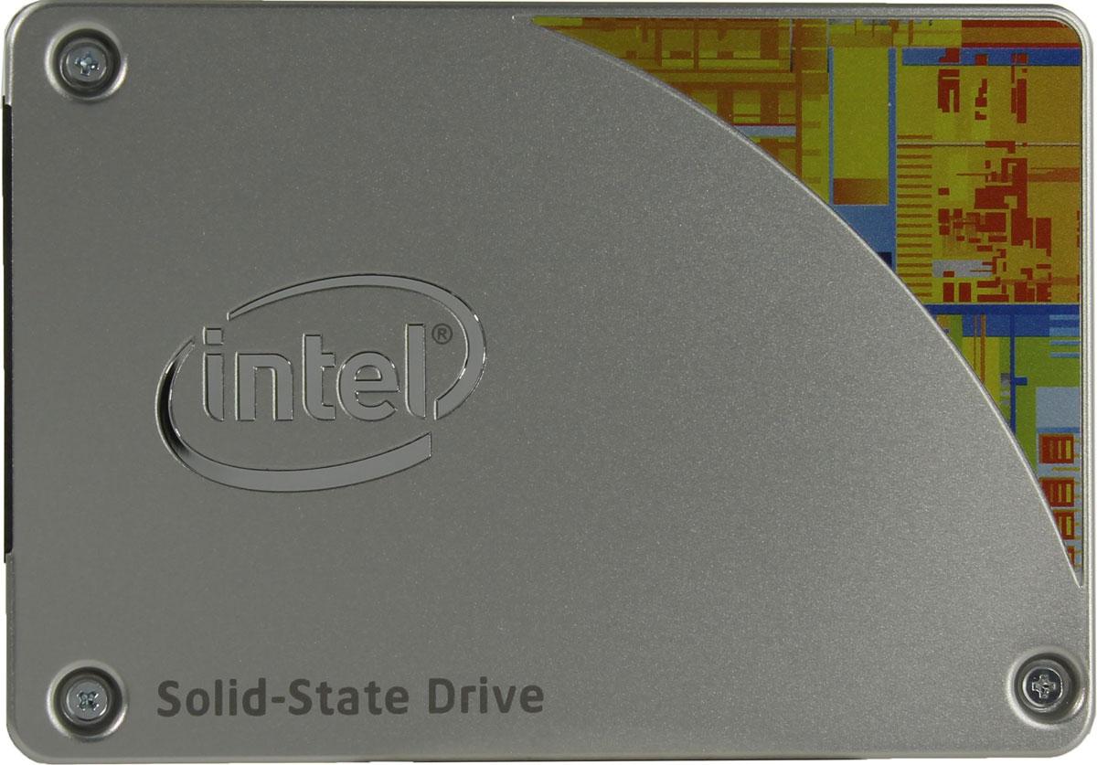 Intel 535 Series 256GB SSD-накопитель (SSDSC2BW256H601)SSDSC2BW256H601SSD-накопитель Intel 535 Series станет хорошим решением для создания системного диска. Операционная система, установленная на представленную модель, станет загружаться и работать существенно быстрее по сравнению со стандартными механическими жесткими дисками.Обмен данными осуществляется посредством распространенного интерфейса SATA III. Система вашего ПК сможет еще быстрее записывать данные на жесткий диск, а ваши файлы будут быстрее откликаться на запросы.Intel 535 Series имеет широкий диапазон рабочих температур и высокую ударостойкость, равную 1500 G. Накопитель работает бесшумно и подключается к большинству устройств без адаптера.
