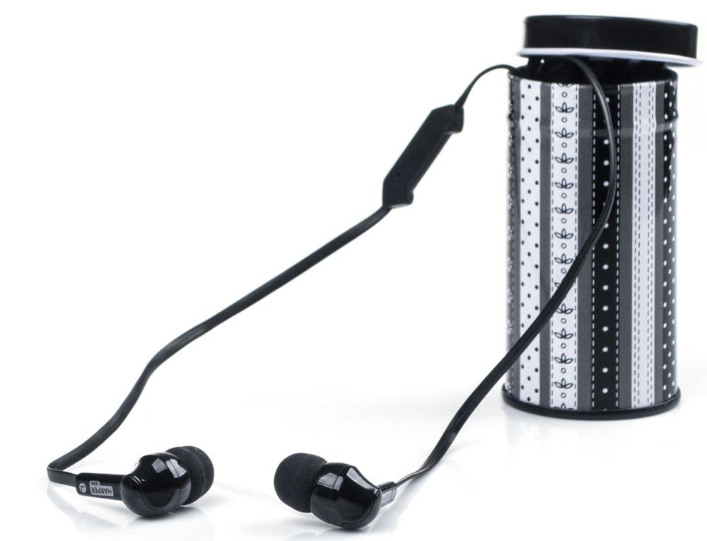 Harper Kids HK-42, Black наушники00-00001200Наушники-вкладыши Harper Kids HK-42 отлично передают звук не только во время прослушивания музыки, но и при разговоре по телефону (встроенный микрофон позволяет использовать Harper Kids HK-42 в качестве телефонной гарнитуры).Наушники поставляются в пяти сочных цветовых решения, среди которых не только универсальные черный и белый, но и яркие зеленый, желтый, фиолетовый, розовый и голубой.Футляр, который поставляется в комплекте с наушниками, имеет гармонирующую с ними расцветку и оригинальный рисунок, что превращает его в стильный аксессуар. При этом наушники, которые хранятся в футляре, меньше пылятся, реже ломаются и гораздо дольше служат.Все органы управления наушниками сконцентрированы в одной кнопке на проводе. При помощи специальной комбинации нажатий, указанной в инструкции к наушникам, вы сможете принимать/завершать входящие вызовы (функция телефонной гарнитуры), переключать треки, запускать и ставить на паузу музыку, перематывать треки вперед и назад.