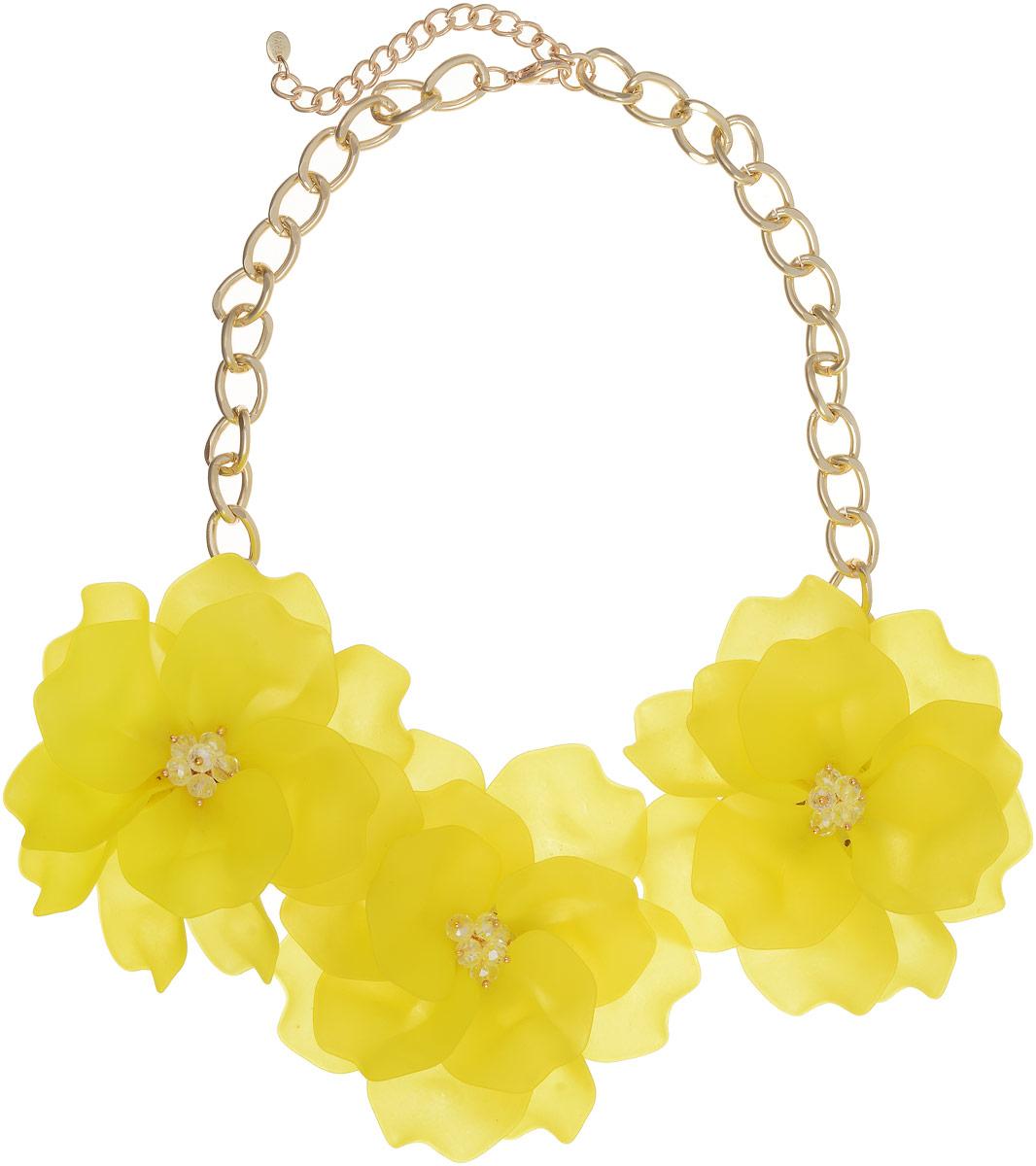 Колье Taya, цвет: золотистый, светло-желтый. T-B-13237Колье (короткие одноярусные бусы)Три матовых ультра-желтых цветка с закругленными лепестками составляют нежнейшую композицию. Каждый лепесток плавно изогнут, в центре несколько прозрачных бусин с золотой капелькой. Размеры: длина изделия 48 см + удлинение 7,0 см, каждый цветок диаметром 9,0 см.