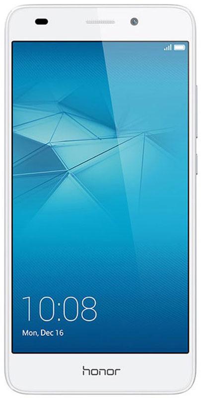 Huawei Honor 5C, Silver51090PQKСмартфон Huawei Honor 5C привлекает внимание металлическим корпусом и полноценным набором функций.По сравнению с процессорами предыдущего поколения с технологией 28 nm, новый чипсет Kirin 650 с технологией FinFET Plus 16 nm обеспечивает более высокую производительность и скорость работы смартфона.Мощный графический процессор Mali-T830 обеспечивает превосходное качество игр, его производительность на 100% выше, чем у процессора предыдущего поколения Kirin 620. Невероятное удобство при работе с телефоном достигается благодаря чипсету eMMC 5.1 и новому интерфейсу EMUI 4.1.Цельнометаллический алюминиевый корпус произведён с применением специальных технологий, создающих эффект рельефной полированной поверхности. Анодированное покрытие с защитой от царапин защищает корпус от коррозии и потёртостей.Основная камера 13 Мпикс с диафрагмой f/2.0 и широкоугольной макролинзой 5P 78° гарантирует высочайшее качество каждого снимка.Поддержка режима HDR, когда съёмка выполняется со вспышкой, для лучших портретных и групповых снимков. Режим HDR объединяет несколько фото в одно для достижения превосходного результата: лучшей экспозиции, чёткого фона и точной цветопередачи.Технология SmartImage 3.0 предлагает набор фильтров и режимов съёмки: Режим Свет позволяет запечатлеть ночную жизнь города, снять световое граффити или ночное небо.Система с двумя антеннами поддерживает автоматическое переключение между ними для обеспечения высокого качества сигнала.Соотношение экрана и передней панели корпуса - 74%. Экран LTPS GFF обеспечивает яркость изображений даже под прямыми солнечными лучами. Разрешение 1920 x 1080 (423 PPI), 16,7 миллионов цветов и IPS-матрица обеспечивают реалистичную цветопередачу.Динамик, расположенный в нижней части корпуса, обеспечивает чистоту и мощность звука. Умный усилитель оптимизирует процесс аудиовывода в режиме реального времени, применяя встроенный алгоритм DSP и аудиоэффекты SWS от компании Huawei, благодаря чему достигается объём