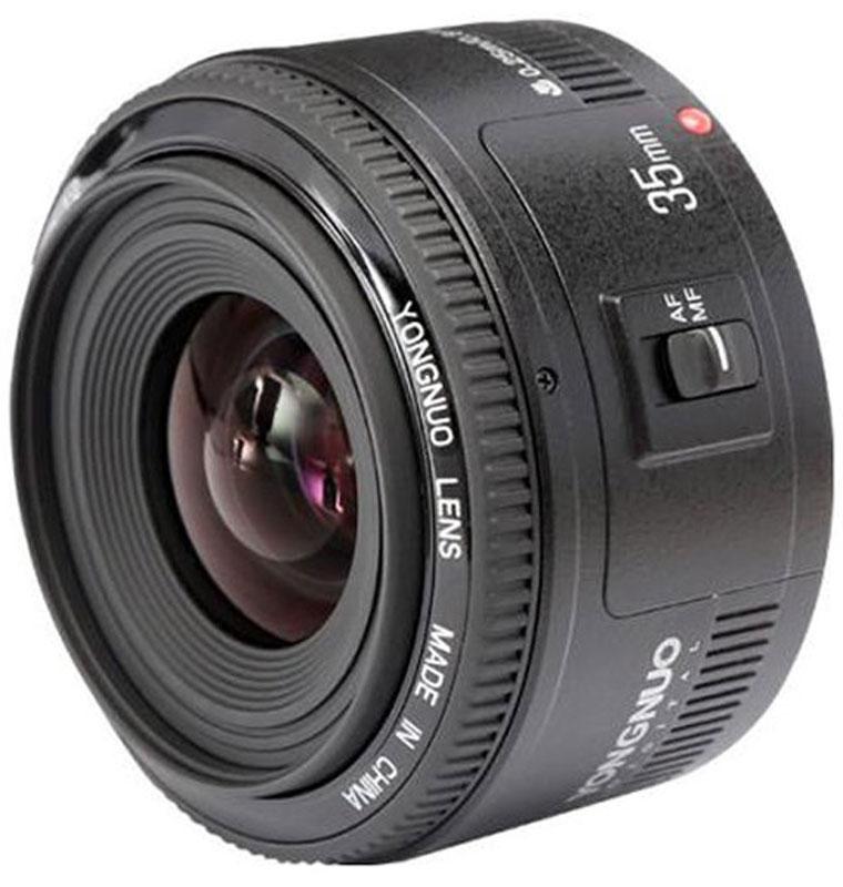 YongNuo 35F2.0 объектив для CanonYN35MM F2.0YongNuo YN 35mm f/2 Canon EF — аналог широкоугольного объектива от Canon. Обладает схожей оптической схемой, но имеет более компактный корпус. 35 мм приравнивается к 56 мм на кроп-матрице, что делает этот объектив универсальным для любительских камер. Объектив имеет большую светосилу (f/2), что позволяет эффективно использовать его в помещениях и на коротких выдержках.