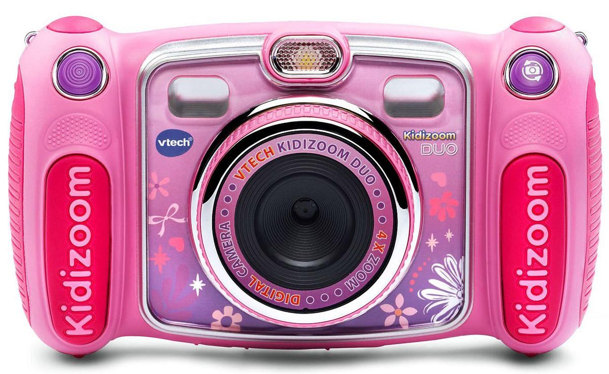 Vtech Детская цифровая фотокамера Kidizoom Duo цвет розовый80-170853Цифровая камера Kidizoom Duo от производителя Vtech - это очень прочная и простая в использовании цифровая камера, созданная специально для детей! Камера с двумя объективами позволяет снимает фото и видео с забавными эффектами, снимает в специальном режиме селфи. Встроенный датчик движения и фото-оптимизации позволят поднять фотосъемку на новый уровень.Четырехкратное увеличение расширит возможности маленького фотографа, а большой экран в 2,4 дюйма позволит с легкостью обрабатывать фото всевозможными эффектами.Данная модель не только снимает фото и записывает видео, также камера оснащена встроенной вспышкой и диктофоном с 5 эффектами изменения голоса.Но и это еще не всё! Устройство включает встроенные игры с поддержкой датчиком движения и различные творческие инструменты, которые позволят украсить фотографии с помощью интересных рамок, штампов и других интересных эффектов.Особенности камеры:Разрешение: 2 и 0.3 Мпикс / 2 камеры (обычная и для съемки автопортретов),Зум: 4-х кратныйОптимизация фотоКолесико спецэффектовЗапись видеороликовДиктофон5 игрФункции Вы и Я, Детектор смешных физиономий и другиеКлипартыМузыкальные видеотемыВозможность применять забавные эффекты к фотографиям, видеороликам и аудиозаписямКамера рекомендована производителем для детей от 4 лет