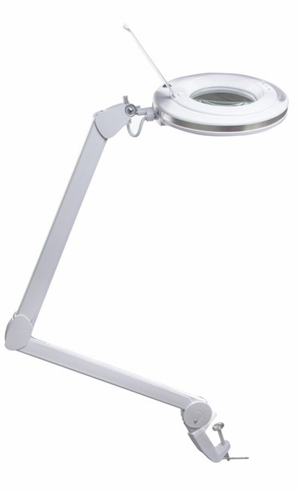 Лупа на струбцине круглая 3X с подстветкой и сенсорным регулятором 60 LED, белая Rexant31-0531Лупа на струбцине круглая настольная 3Х с подсветкой и сенсорной регулировкой освещенности, белая REXANT предназначена для визуального увеличения различных мелких предметов или их фрагментов. Она используется в косметологии, в тату салонах, при выполнении ювелирных и радиомонтажных работ, при ремонте часов, в биологии и медицине, в швейном и вышивальном деле, для организации труда людей со слабым зрением, а также для других работ, где требуется дополнительное увеличение и подсветка рабочего поля. Такая оптическая система состоит из линзы, удобного пантографического механизма и бестеневой подсветки.ОСНОВНЫЕ ПРЕИМУЩЕСТВА:1. Линза изготовлена из стекла, это обеспечит четкое изображение с минимальным уровнем искажений. Применяется особый вид линз, который не переворачивает изображение при увеличении;2. Быстросъемное кольцо позволит легко демонтировать текущую и установить новую линзу с другими характеристиками, если это необходимо;3. Экономия электроэнергии. Лампа в рабочем состоянии потребляет не более 8Вт;4. Бестеневая всесторонняя подсветка предметов;5. Увеличенный срок службы. Достигается за счет использования светодиодной (LED) подсветки;6. Встроенный стабилизатор напряжения, благодаря которому, лампа излучает ровный свет без мерцания;7. Прибор оснащен сенсорной регулировкой яркости LED подсветки;8. Модернизированный пантографический механизм, состоящий из звеньев, обеспечит лучшую устойчивость и точную фиксацию лупы в пространстве в необходимом положении;9. Рабочий радиус регулировки механизма достигает 105см;10. Струбцинное крепление к столу надежно зафиксирует лампу-лупу на любой плоской поверхности;11. На корпусе держателя линзы имеется специальная ручка, которая обеспечит дополнительный комфорт при использовании прибора.ТЕХНИЧЕСКИЕ ХАРАКТЕРИСТИКИ: - размер линзы: 127мм; - оптическая сила линзы: 3 диоптрии - 3D (увеличение в 1.75 раза); - источник света: 60 светодиодов