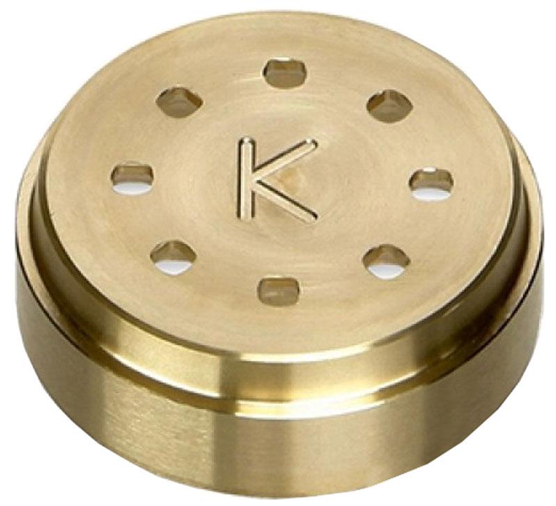 Kenwood АТ910006 насадка-диск для спагеттиАТ910006Диск AT910006 от Kenwood предназначен для приготовления спагетти куадри, замечательных итальянских макарон, похожих на длинные трубочки. Они подаются и как отдельное блюдо (например, с соусом), и как гарнир к мясу.Данная насадка выполнена из металла высочайшего качества с бронзовым покрытием. Весит всего 100 грамм и обладает небольшими габаритами, что позволяет найти место для нее в любом кухонном шкафу.Служит дополнением к насадке АТ910 и подключается ко всем кухонным машинам линий Chef и Major.