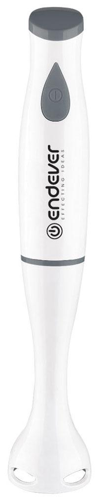 Endever Sigma-03 блендерSigma-03Погружной блендер Endever Sigma-03 станет отличным помощником для приготовления детского питания, а также спортивного питания и фитнес-коктейлей. Блендер выполнен из высококачественного пищевого пластика, он не вреден при контакте с едой и имеет все необходимые сертификаты качества.Блендер Endever Sigma-03 удобно держать в руке благодаря легким материалам и эргономичному дизайну. Удобная кнопка включения выполнена из приятного на ощупь прорезиненного материала, такой материал позволит крепко держать блендер в руке.