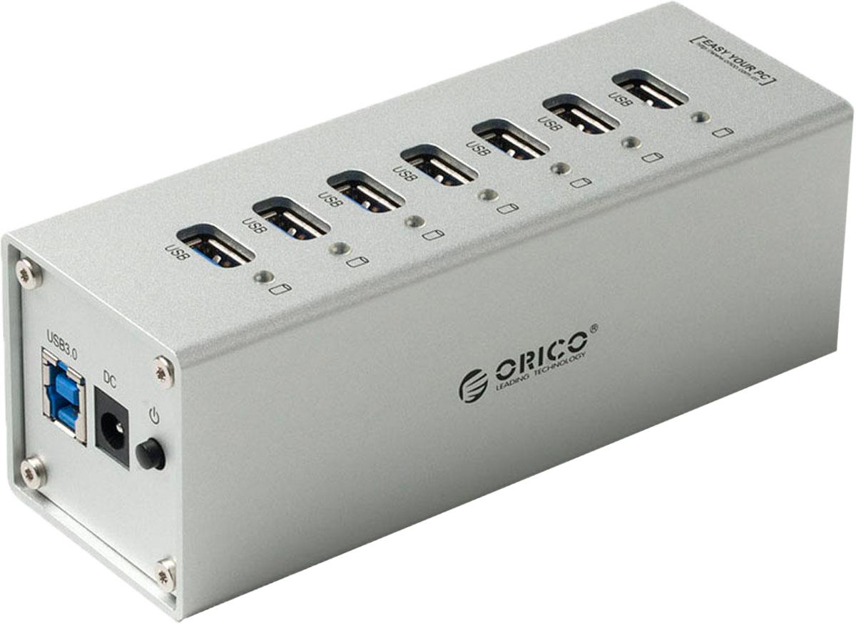 Orico A3H7, Silver USB-концентраторORICO A3H7-SVБлагодаря своему дизайну и металлическому корпусу Orico A3H7 будет отлично смотреться рядом с компьютерами iMac, MacBook Air, MacBook Pro, MacBook, ПК и другими ноутбуками со светлыми корпусами из металла. Orico A3H7 оснащён 7 разъёмами USB 3.0 – такого количества универсальных портов хватит на все случаи жизни: для периферии, накопителей, принтеров, сканеров и других устройства. Все разъёмы Orico A3H7 обеспечивают скорость передачи данных в 5 Гбит/сек. Этой скорости с запасом хватит не только для подключения простой периферии, но для жёстких дисков и быстрых флэш-накопителей.USB-хаб Orico A3H7 оснащён двухъядерным контроллером Via-Labs VL812, который обеспечит стабильную работу концентратора при подключении большого количества устройств или при копировании больших объёмов данных на флешки или жёсткие диски. В комплекте с Orico A3H7 поставляется блок питания мощностью 30 Вт, который обеспечит электричеством все подключённые устройства. Высокопроизводительный USB-концентратор c семью портами USB 3.0.Двухъядерный контроллер VIA Vl812 гарантирует эффективное использование энергии и высокую скорость передачи данных.Алюминиевый корпус.Скорость передачи данных до 5 Гбит/c.Внешний блок питания.Кабель USB 3.0 длиной 1 метр.Характеристики:Источник питания: Внешний блок питания 30 ВтМатериал корпуса: АлюминийВход USB 3.0 Type BВыход USB 3.0 Type AUSB выходов: 7Стандарты USB: 3.0; 2.0; 1.1; 1.0Скорость сигнала: 5 Гбит/секПоддерживаемые ОС: Windows XP, Vista, 7, 8, 8.1, 10, Mac OS и LinuxИндикатор питания LED синийДлина кабеля 1 метр.