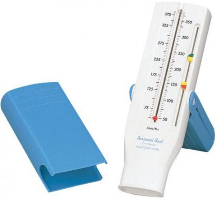 Philips Personal Best HH1328/00 пикфлоуметр уменьшенная шкала (для детей)1023870Personal Best устанавливает новые стандарты удобства и эффективности использования, а также достоверности данных. Легкая, автономная и портативная конструкция Personal Best предоставляет все инструменты для контроля пикового потока медиками или пациентами в течение всего дня.100% устройств Personal Best проходят контроль качества, который проводится на заводе перед отправкой. Поддержание точности и воспроизводимости данных гарантируется в течение как минимум двух лет.Встроенная ручка помогает пациентам правильно использовать Personal Best. При переноске ручка трансформируется в удобный кейс, который защищает устройство.Встроенная система помогает пациентам соблюдать режимы терапии. Настройки цветных индикаторов можно отрегулировать для обозначения зеленой, желтой и красной зон пациента с учетом персональной пиковой скорости выдоха.Возможность стерилизации обеспечивает гигиеничность. Защита уменьшает риск возникновения перекрестного заражения во время обследования нескольких пациентов, а односторонний клапан предотвращает случайное вдыхание воздуха через пикфлоуметр при оценке пиковой скорости выдоха.Данный пикфлоуметр соответствует или превышает требования стандартов Национальной программы по оповещению и предотвращению астмы в отношении пикфлоуметров, которые основаны на стандартизации спирометрии Американского общества специалистов в области торакальной медицины в редакции 1994 года (26 волн).