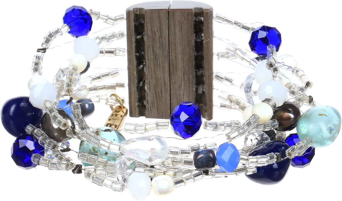 Браслет Selena Enigma, цвет: прозрачный, синий, голубой. 40054820Браслет с подвескамиИзящный браслет Selena изготовлен из бисера, ювелирной смолы, пальмового дерева и ювелирного стекла. Браслет состоит из нескольких нитей, на которые нанизаны бусины, бисер и декоративные элементы. Вставки: искусственный жемчуг, кристаллы Preciosa, гальваническое покрытие: золото, родий.Стильный браслет поможет дополнить любой образ и привнести в него завершающий яркий штрих.