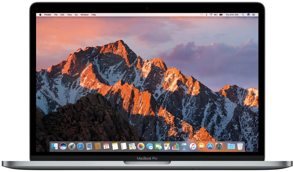 Apple MacBook Pro 13, Space Grey (MPXV2RU/A)MPXV2RU/AApple MacBook Pro стал ещё быстрее и мощнее. У него самый яркий экран и лучшая цветопередача среди всех ноутбуков Mac.Новый MacBook Pro задаёт совершенно новые стандарты мощности и портативности ноутбуков. Вы сможете воплотить любую идею, ведь в вашем распоряжении самые передовые графические процессоры и накопители, невероятная вычислительная мощность и многое, многое другое.MacBook Pro оснащён SSD-накопителем со скоростью последовательного чтения до 3,1 ГБ/с, что значительно превосходит характеристики предыдущего поколения. И память встроенных накопителей работает быстрее. Всё это позволяет мгновенно запускать систему, управлять множеством приложений и работать с большими файлами.Благодаря процессорам Intel Core 7-го поколения, MacBook Pro демонстрирует невероятную производительность даже при выполнении самых ресурсоёмких задач, таких как рендеринг 3D-моделей или конвертация видео. А когда вы выполняете простые задачи, например, просматриваете сайт или работаете с электронной почтой, устройство способно снизить расход энергии.Корпус нового MacBook Pro стал тоньше, производительность значительно выросла, но вы по-прежнему сможете пользоваться компьютером без подзарядки целый день.Очень долго верхнюю строку клавиатуры занимали функциональные клавиши. Пришло время заменить их более универсальным и удобным элементом управления - сенсорной панелью Touch Bar. В зависимости от того, чем вы занимаетесь, на ней автоматически отображаются те или иные инструменты. Например, знакомые вам регуляторы громкости и яркости, функции управления фото и видео, предиктивного ввода текста и многие другие. А ещё на Mac впервые появилась технология Touch ID. Поэтому теперь вы можете мгновенно входить в свои учётные записи, а также быстро и безопасно оплачивать покупки с помощью Apple Pay.Чем тоньше ноутбук, тем меньше в нём места для охлаждения. Поэтому для отвода тепла в MacBook Pro применяется целый ряд инновационных технологий. Охлажд