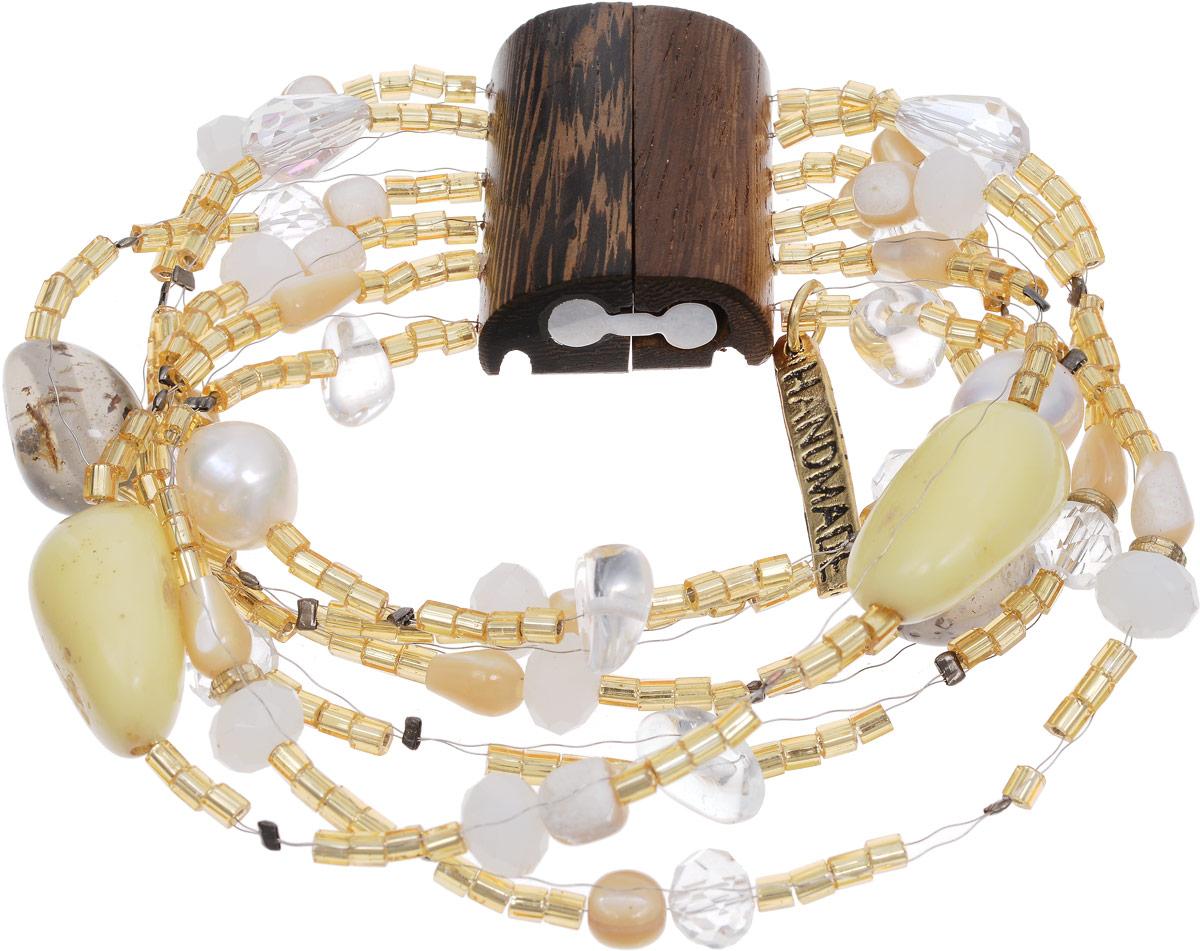 Браслет Selena Enigma, цвет: бежевый, золотистый, коричневый. 40054830Браслет с подвескамиИзящный браслет Selena изготовлен из бисера, ювелирной смолы, пальмового дерева и искусственного жемчуга. Браслет состоит из нескольких нитей, на которые нанизаны бусины, бисер и декоративные элементы.Стильный браслет поможет дополнить любой образ и привнести в него завершающий яркий штрих.