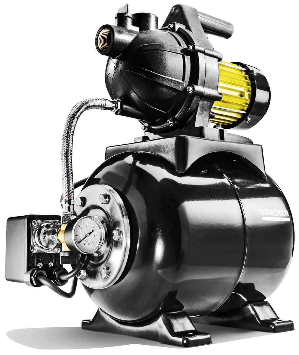Станция насосная Karcher BP 3 Home *EU1.645-365.0Насосная станция BP 3 Home предназначена для подачи в дом технической воды для стиральных машин, санузлов и других хозяйственных нужд. Она легко подключается и может забирать воду из цистерн или неглубоких колодцев, автоматически поддерживая напор в системе благодаря интегрированному гидробаку объемом 19 л. Этот насос для дома автоматически отключается, когда необходимость в подаче воды отсутствует. Станция оснащена обратным клапаном, манометром и защитой от перегрева. Она легко закрепляется на полу и фиксируется саморезами. Выключатель расположен непосредственно на корпусе насосной станции. Высококачественные компоненты из нержавеющей стали обеспечивают долгий срок службы изделия.