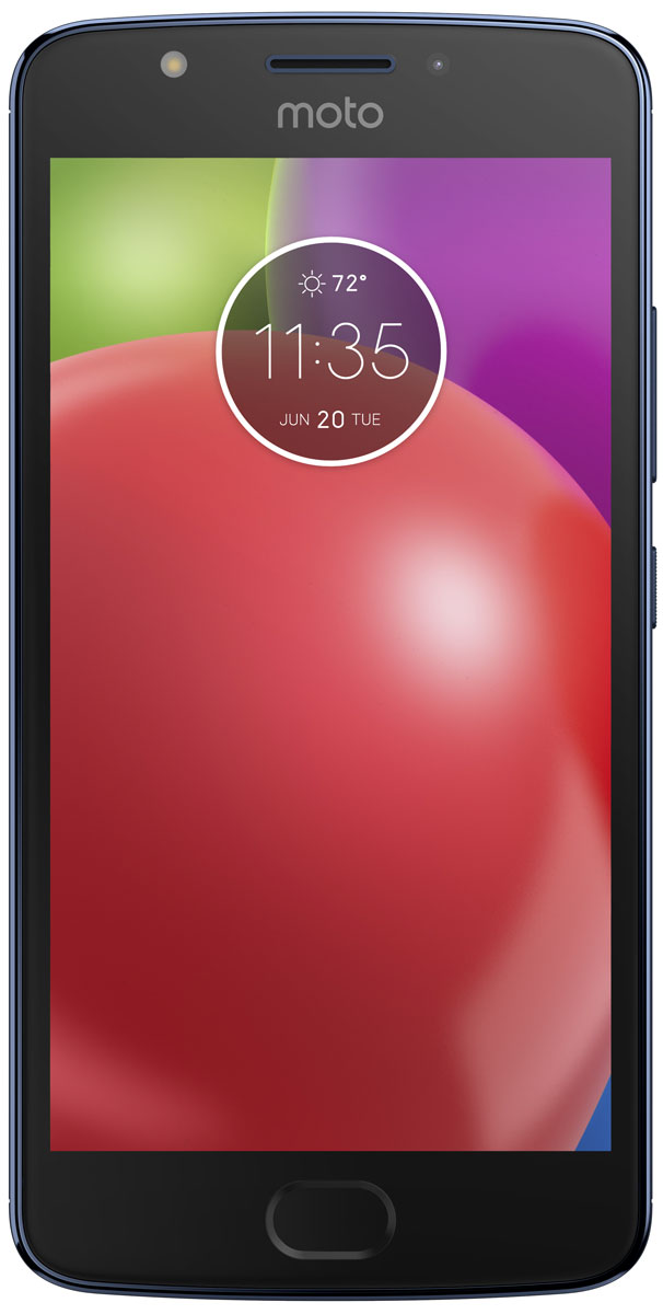 Motorola Moto E4, Blue (XT1762)PA750050RUMotorola Moto E4 - обновлённая модель, которая наверняка понравится любителям мобильных игр и качественного видео. Он получил IPS-экран с большой контрастностью, широкими углами обзора и насыщенной цветовой гаммой, а также мощный четырёхъядерный процессор. Батарея высокой ёмкости с поддержкой ускоренной зарядки позволяет активно использовать его на протяжении всего дня.В четвёртом поколении Motorola Moto E применяется высокоскоростной сканер отпечатка пальца, способный получать необходимые данные за считанные доли секунды. Он ограничивает доступ к персональным данным пользователя, ускоряет вход в защищённые зоны и позволяет совершать быстрые безопасные платежи. Кроме того, корпус смартфона покрыт нанотехническим материалом, делающим электронику устойчивой к воздействию влаги.Устройство обладает двумя камерами с разрешением 8 и 5 Мпикс. Обе снабжены яркими LED-вспышками и светосильными объективами, которые делают фотографии чёткими и контрастными независимо от уровня освещённости. Они могут вести съёмку в режиме HDR, улучшающем цветовую насыщенность кадра, и автоматически повышать качество портретов.Смартфон совместим с высокоскоростными мобильными сетями 3G и 4G. Он снабжён антенной GPS, предоставляющей доступ к навигационным сервисам, и адаптером Bluetooth со сниженным энергопотреблением, отлично подходящим для работы со спортивными гаджетами.Смартфон сертифицирован EAC и имеет русифицированный интерфейс меню и Руководство пользователя.