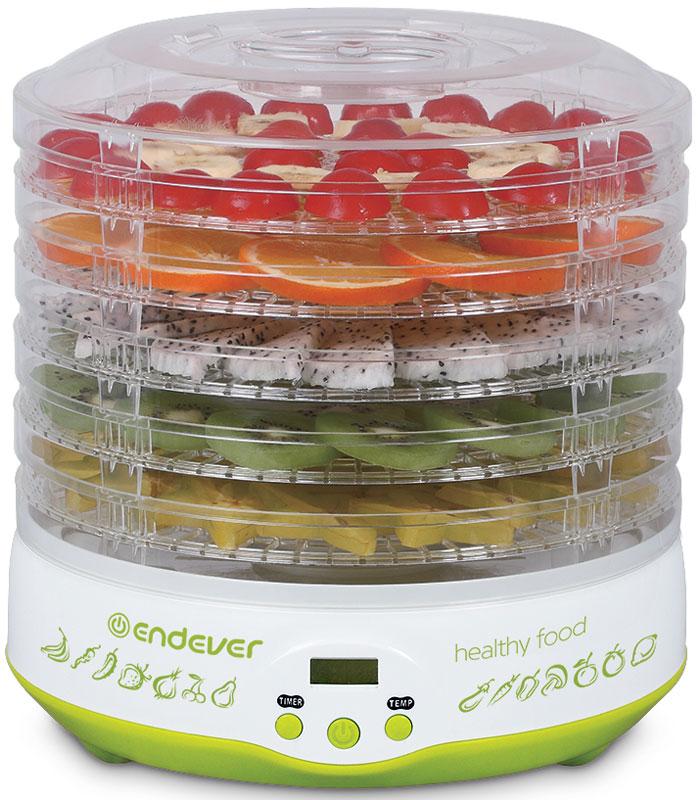 Endever Skyline FD-59 дегидраторFD-59Пятиуровневая электросушилка Endever Skyline FD-59 для равномерной сушки трав, зелени, овощей, фруктов, грибов, мяса, птицы и рыбы с сохранением вкусовых качеств и полезных веществ продуктов.Корпус и поддоны сушилки изготовлены из пищевого термостойкого пластика, устойчивого к высоким температурам, не выделяющего вредных веществ и посторонних запахов, сохраняющего вкус и аромат продуктов натуральными.5 регулируемых по высоте съемных секций позволяют разместить в небольшом объеме максимум продуктов и добиться их наилучшего распределения для быстрого и равномерного высушивания. Встроенный вентилятор равномерно нагнетает воздух в пространство сушилки, обеспечивая необходимые условия для эффективного сохранения полезных микроэлементов.Электросушилка - необычайно полезный прибор, поскольку способен на долгое время сохранить питательную ценность многих сезонных продуктов, обеспечив здоровое питание на весь год.