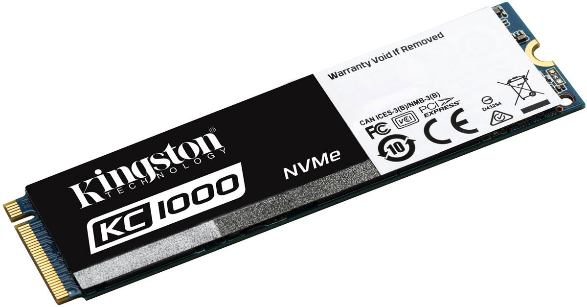 Kingston KC1000 960GB SSD-накопительSKC1000/960GТвердотельный накопитель KC1000 компании Kingston - это высокопроизводительный накопитель с интерфейсом PCIe NVMe, который предлагается либо в стандартном форм-факторе M.2 2280, либо в виде расширительной платы половинной высоты и половинной длины. Накопитель KC1000 использует собственные драйверы OS NVMe, предлагается в диапазоне емкостей от 240 до 960 ГБ.