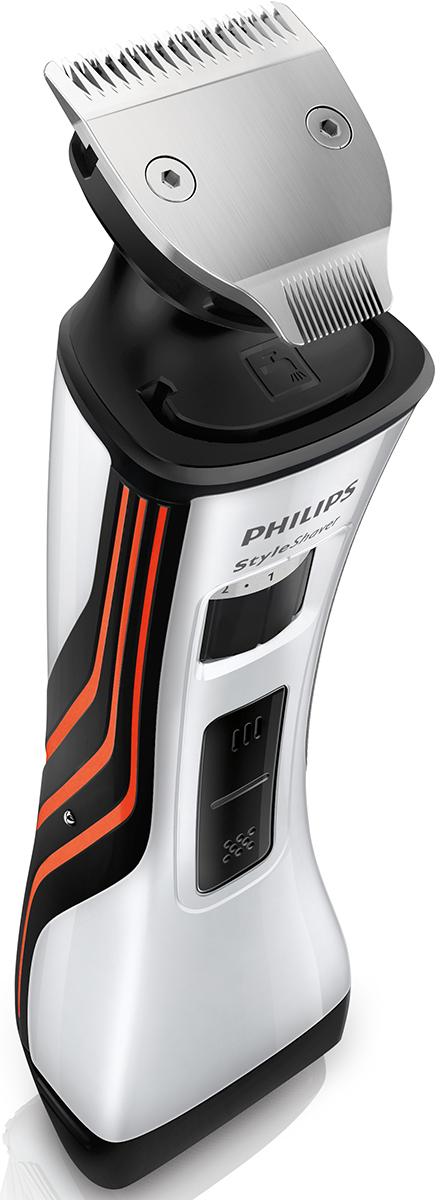 Philips QS6141/32 стайлер и бритва 2 в 1QS6141/32Создай свой стиль с помощью Philips QS6141/32. Этот двусторонний стайлер для бороды и бритва помогут легко создать любой образ — эффект трехдневной щетины, стильную бороду или просто чистое бритье. Триммер с полностью металлическим корпусом (32 мм) и гребень с 12 регулируемыми настройками позволят с легкостью выбрать нужную длину бороды при помощи колесика. Надежный и безопасный металлический триммер с закругленными краями обеспечивает точный и ровный стайлинг.Новая бритва с двойной сеткой позволяет с легкостью создавать свой неповторимый стиль. Средний триммер сбривает более длинные и жесткие волоски, а две плавающие сетки обеспечивают идеально гладкое бритье. Под регулируемым гребнем расположен двусторонний триммер с полностью металлическим корпусом. Выберите сторону 32 мм для быстрого стайлинга или сторону 15 мм для точного подравнивания на труднодоступных участках. Закругленные края обеспечивают мягкий контакт с кожей. Режущие блоки малого размера гарантируют гладкое бритье и идеальный результат даже на труднодоступных участках.Для дополнительной защиты кожи и достижения оптимальных результатов бритья используйте прибор с гелем или пеной для бритья. Вы также можете выбрать бритье на сухой коже. Чтобы очистить прибор, просто промойте его под струей воды. От литий-ионного аккумулятора устройство может работать в автономном режиме до 75 минут, при этом зарядка занимает всего 4 часа. Регулировочное колесико позволяет быстро установить одну из 12 установок длины на гребне с шагом 0,5 мм.Вы с легкостью добьетесь нужного результата, будь то эффект легкой или трехдневной щетины. А для тех, кто носит бороду, предусмотрены различные настройки длины с шагом 1 мм. Горящий индикатор указывает на полный заряд аккумулятора, а мигающий говорит о том, что заряда хватит примерно на 10 минут. Складное зарядное устройство не займет много места ни дома, ни в дорожной сумке.Металлический триммер (32 мм и 15 мм) для точного подравнивани