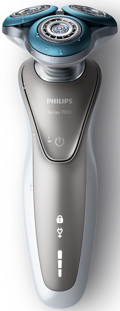 Philips S7510/41 электробритва с насадкой-стайлером и чехлом для путешествийS7510/41Бритва Philips S 7510/41 разработана специально для чувствительной кожи. Благодаря кольцам Comfort rings с уникальным микрогранулированным покрытием бритва легко скользит по коже для бережного и чистого бритья. Кольца Comfort rings имеют уникальное покрытие, состоящее из множества микрогранул, которые создают мягкий и гибкий слой. Это обеспечивает гладкое скольжение бритвы по коже лица и снижает риск раздражения. Идеально гладкая кожа!Благодаря особой конструкции лезвия срезают длинные, короткие и прилегающие волоски максимально близко к коже, одновременно защищая ее от повреждений. Специальные отверстия точно направляют волоски, а лезвия аккуратно срезают их, не повреждая кожу. Головки DynamicFlex легко движутся в 5 направлениях и точно повторяют изгибы лица и шеи для более комфортного бритья. Уплотнение Aquatec позволяет выбирать наиболее комфортный способ бритья: быстрое и комфортное сухое или влажное с использованием геля или пены. Вы можете использовать прибор даже в душе.На интуитивно понятном дисплее Philips S 7510/41 отображается вся необходимая информация, что позволяет в полной мере использовать возможности вашей бритвы: трехуровневый индикатор состояния аккумулятора, индикатор очистки, индикатор низкого уровня заряда, индикатор замены бритвенной головки и индикатор дорожной блокировки.Энергоэффективный мощный литий-ионный аккумулятор обеспечивает 2 удобных режима: до 50 минут работы после зарядки в течение 1 часа или быстрая зарядка для одного сеанса бритья. Philips S 7510/41 работает только в автономном режиме для максимальной безопасности при влажном бритье.Измените свой образ с помощью насадки-стайлера SmartClick для бороды. 5 установок длины на выбор подходят для создания идеальной щетины или моделирования аккуратной короткой бороды. Закругленные кончики и гребни предотвращают появление раздражения. Система двойных лезвий Super Lift & Cut обеспечивает идеально чистое и