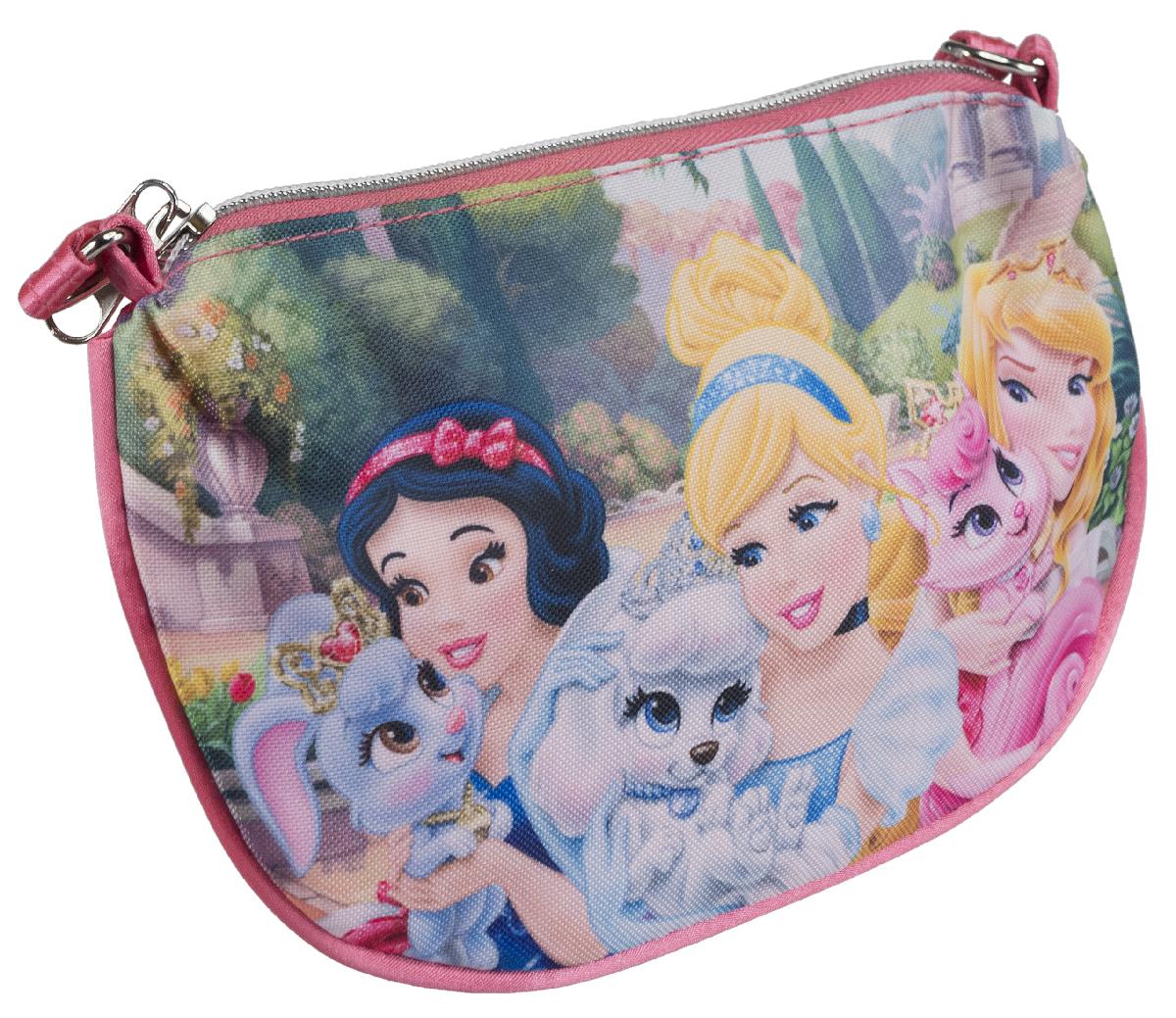 Яркая сумочка Princess станет незаменимым аксессуаром для вашей маленькой модницы!  Она изготовлена из текстильного материала и оформлена объемной аппликацией в виде изображений любимых сказочных героев. Сумка имеет одно отделение и закрывается на застежку-молнию.   Ваша малышка с удовольствием будет носить в ней свои вещи, любимые игрушки или аксессуары. Порадуйте ее таким замечательным подарком!
