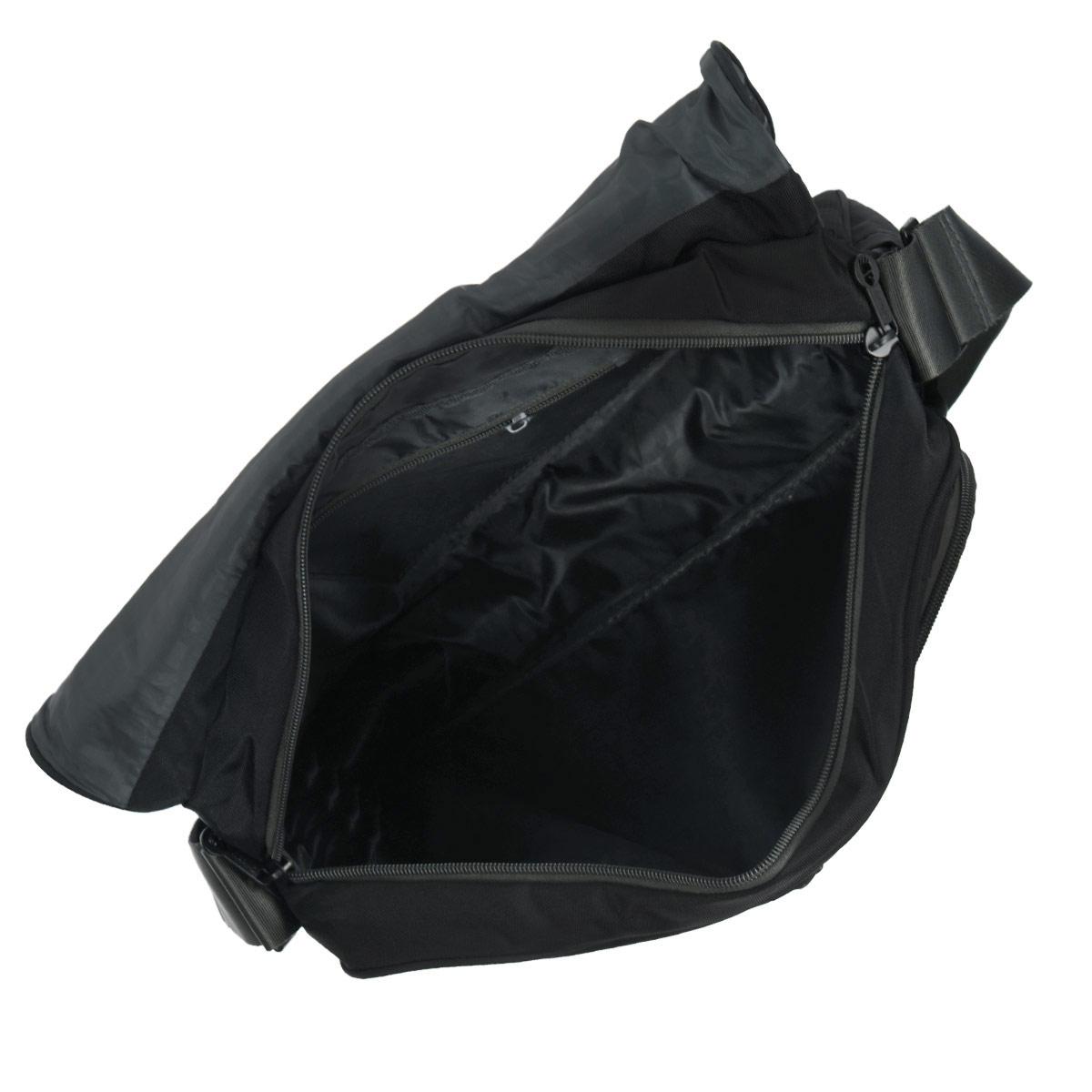 Сумка молодежная наплечная с одним отделением, передними, боковыми, задним и внутренними карманами, ручкой для переноски и регулируемым плечевым ремнем. Модель закрывается клапаном на липучках.